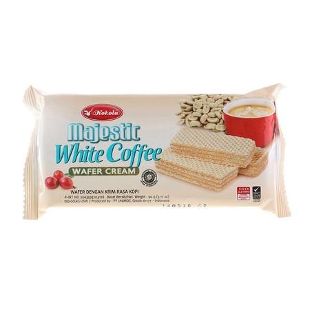 Kokola Majestic White Coffee merupakan wafer dengan krim rasa kopi yang hadir dalam kemasan praktis. Wafer ini memiliki rasa yang lezat dan sudah mendapatkan sertifikasi halal.