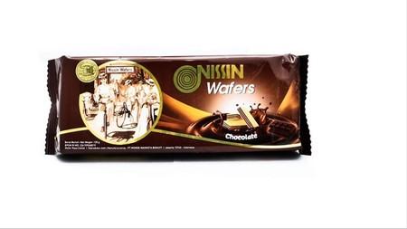 wafer yang memiliki tekstur renyah dengan rasa cokelat yang nikmat, sehingga ideal dijadikan cemilan saat santai Anda bersama keluarga.