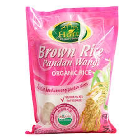 Brown Rice Pandan Wangi Beras Hotel merupakan produk beras coklat organik yang didapatkan dari varietas beras pandan wangi yang terkenal memiliki wangi pandan alami yang membuatnya lebih nikmat untuk dikonsumsi. Ditanam dengan metode organic farming, bera
