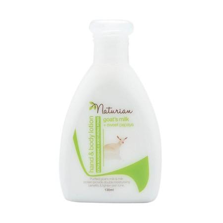 Naturian Goat's Milk Sweet Papaya Hand & Body Lotion diperkaya dengan susu kambing yang mengandung vitamain dan mineral yang baik bagi kulit sehingga kulit terasa lembap dan lembut. Selain itu terdapat enzim pepaya yang dapat membuat kulit tampak cerah be