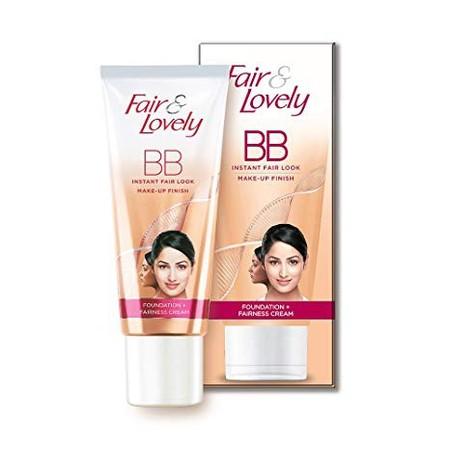FAIR & LOVELY BB Cream 30gr merupakan produk kecantikan yang menggabungkan krim pencerah dan krim BB harian. Krim ini dapat melembabkan, meratakan warna kulit, menyamarkan noda hitam seketika, dan melindungi kulit Anda dari sinar matahari (SPF15). Krim in