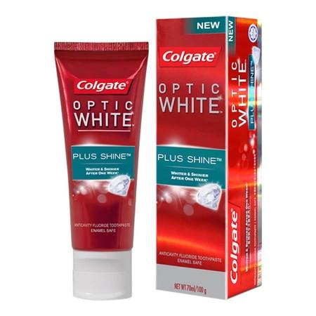 Colgate Optic White Plus Shine 100G Merupakan Pasta Gigi Yang Dapat Membuat Gigi Anda Lebih Cerah 1 Shade Dalam 1 Minggu. Dengan Rasa Mentholic Peppermint Yang Segar, Nikmati Senyum Gemerlap Yang Anda Inginkan. Hadir Dengan Kandungan Fluoride, Pasta Gigi