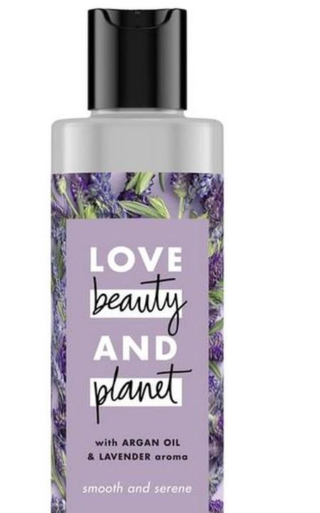 Smooth and Serene shampoo melembutkan rambut kusut dan kering, dengan kandungan bahan alami golden Argan Oil dan keharuman French Lavender yang lembut menenangkan.Jadikan rambut kering, kusut, dan kasar kembali lembut dan halus, dengan kandungan golden Ar