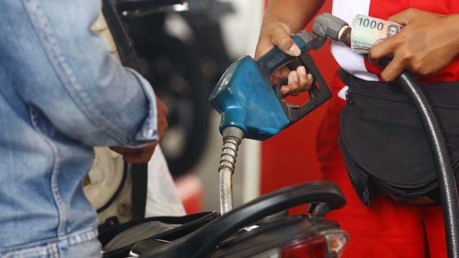 Pertamina akan menurunkan lagi harga bahan bakar minyak (BBM) nonsubsidi jenis Pertamax sebanyak Rp 300, khusus untuk luar Jabodetabek.
