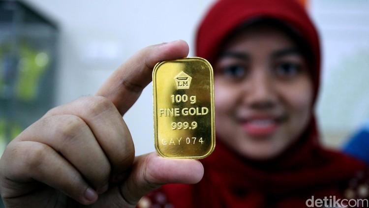 Emas termasuk instrumen investasi yang amat disarankan untuk Bunda. Hmm, kenapa ya?