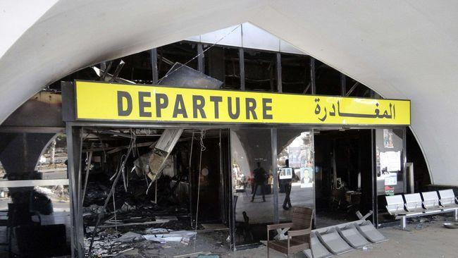Bentrokan tak terhindarkan terjadi ketika pasukan Misrata mencoba merebut bandar udara Tripoli dari kekuasaan tentara pemerintah Libya, menewaskan 9 orang.