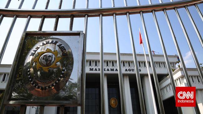 Imbas dari tertangkap tangannya hakim pengadilan tipikor Bengkulu, MA memberhentikan Ketua PN Bengkulu sebagai atasan langsung sang tersangka.