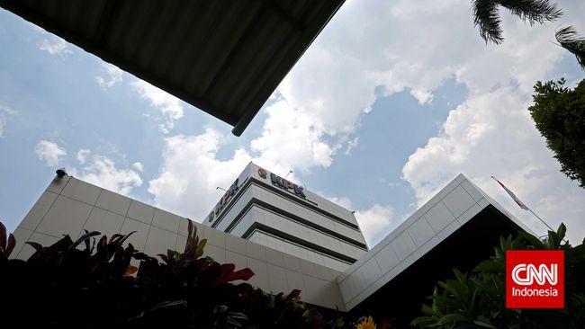 KPK melakukan Operasi Tangkap Tangan terhadap pejabat yang diduga terlibat suap terhadap perizinan proyek di Sumatera Selatan.