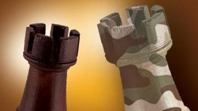 Kepala Penerangan Kodam Siliwingi Kolonel Robertson mengatakan, dua anggotanya tertembak dan dirawat di rumah sakit.