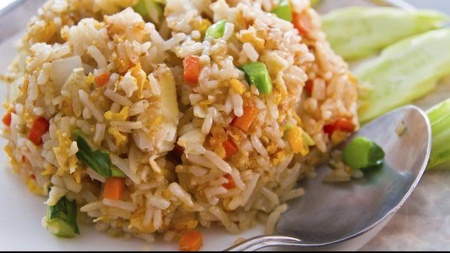Nasi goreng sehat ini juga aman dikonsumsi bagi penderita diabetes, mengontrol tekanan darah, mencegah serangan jantung.