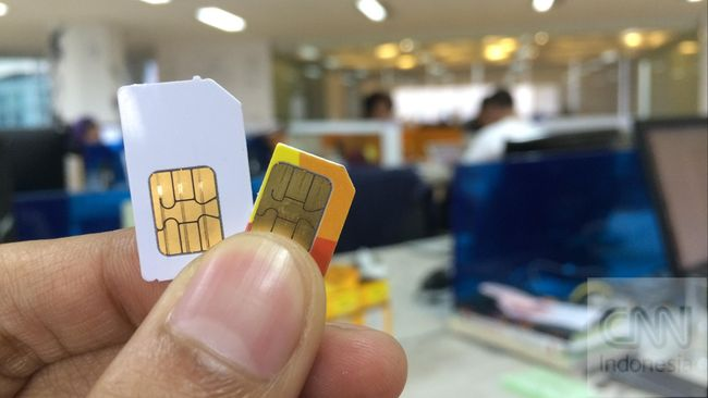 Pemerintah diminta membuat aturan yang membatasi kepemilikan kartu SIM per orangnya yakni tidak lebih dari tiga nomor.