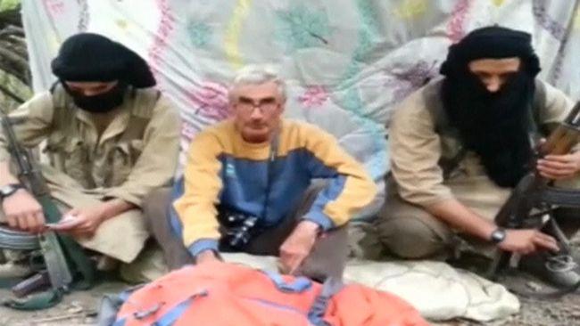 Herve Gourdel, seorang pemandu pendaki gunung asal Perancis diculik kelompok pendukung ISIS di Afrika Utara, Tentara Khalifah, di pengunungan Aljazair.