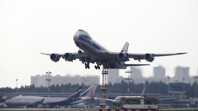 Secara data perjalanan darat masih jauh lebih mematikan ketimbang perjalanan udara. Statistik menunjukkan pesawat masih menjadi alat transportasi teraman.