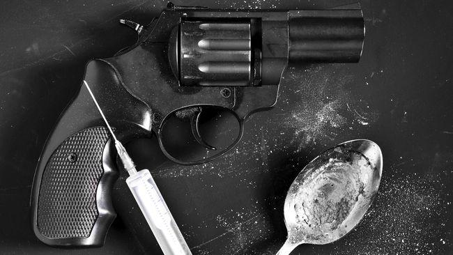 Seluruh tersangka terjaring dalam operasi penyisiran dan penggeledahan indekos dan rumah pribadi yang dicurigai digunakan untuk menggunakan narkoba.
