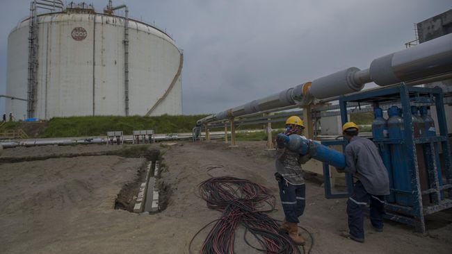 Pipa minyak mentah PT Pertamina Hulu Energi Offshore North West Java (PHE ONWJ) bocor di perairan Karawang, Jawa Barat pada 15 April 2021 lalu.