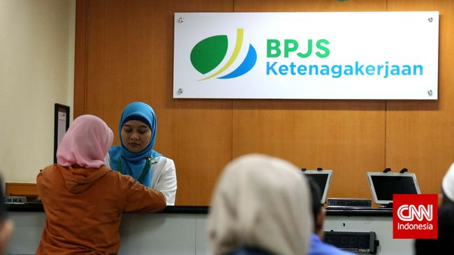 Per Agustus 2019, BPJS Ketenagakerjan baru meraup iuran peserta sebesar Rp46,7 triliun atau 61,42 persen dari target, karena sejumlah perusahaan bangkrut.