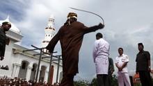 Pemerkosa Anak di Aceh Ambruk Dihukum Cambuk 150 Kali