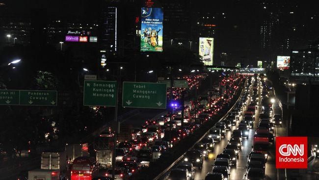 Kota Jakarta juga termasuk dalam 16 besar kota yang memiliki transportasi umum buruk dan tak aman. Jakarta menempati peringkat kelima di seluruh dunia.