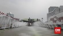 Formappi: DPR Angkut 'Penumpang Gelap' Saat Vaksinasi Massal