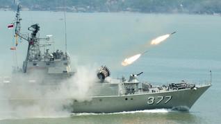 TNI Lapor Jokowi Siagakan 4 Kapal Perang di Laut Natuna
