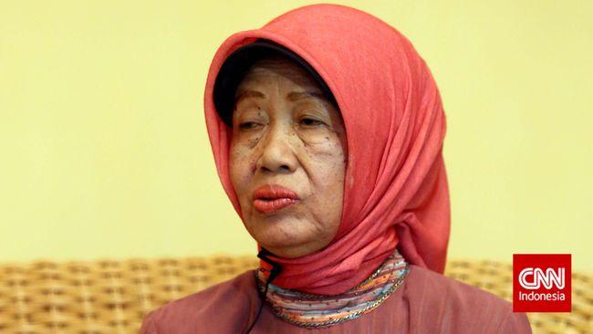 Jenazah Ibunda Jokowi, Sujiatmi Notomiharjo akan dimakamkan di pemakaman keluarga di Mundu, Karanganyar.