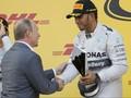 Hamilton Kembali Menangi Duel Lawan Rosberg
