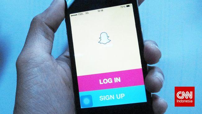 Snapchat meluncurkan fitur Spotlight. Mirip dengan TikTok pengguna bisa memamerkan video pendek durasi 60 detik.