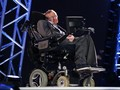 Stephen Hawking Mimpi Jadi Musuh James Bond
