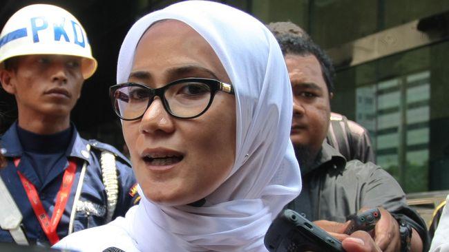 Bupati Lebak yang juga Ketua DPD Demokrat Banten, Iti Octavia Jayabaya mengecam keras kubu Moeldoko yang menggelar acara mengatasnamakan partainya.