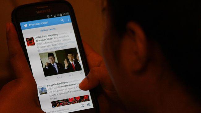 Twitter menjadi tempat membicarakan gangguan yang dialami Facebook pada Selasa (27/1) mulai pukul 13:35 WIB. Tagar #FacebookDown menjadi trending topic.