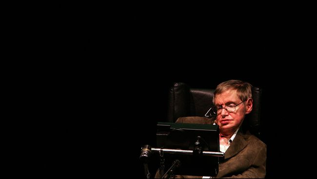 Stephen Hawking tak percaya dengan keberadaan Tuhan, ia lebih percaya tentang wujud nyata alien yang kapan saja bisa datang ke Bumi.