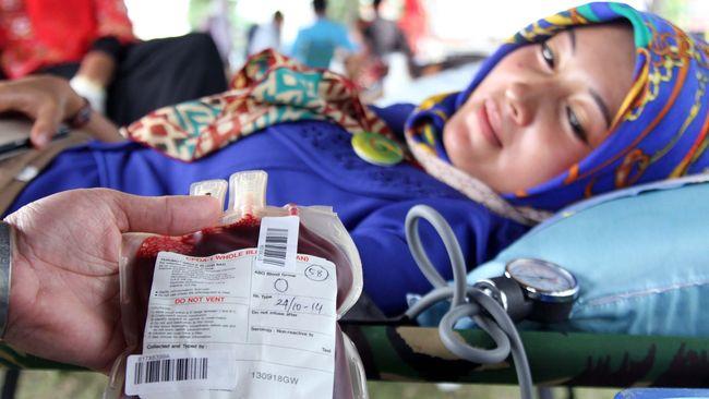 Meski terlihat sedikit mengerikan, namun donor darah bukan hal yang mengerikan. Pahami fakta-faktanya berikut ini.