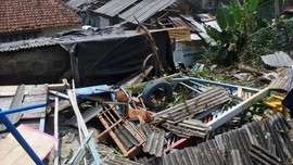 Puting Beliung Sapu Desa Babelan Bekasi, Puluhan Rumah Rusak