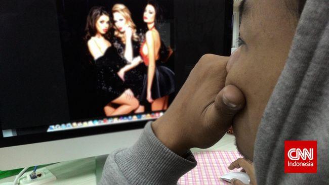 Menkominfo Johnny G Plate mengklaim akan memblokir seluruh akses ke situs porno pornhub.com, termasuk lewat VPN.