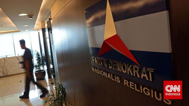 Mantan Ketua DPC Partai Demokrat Tegal, Ayu Palaretins, menggugat pemecatan dirinya oleh AHY ke Mahkamah Partai.