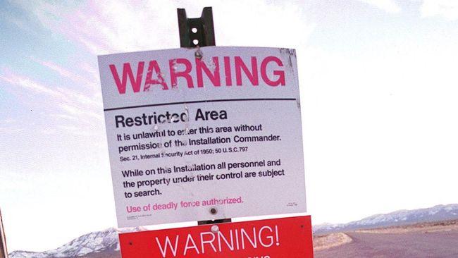 Area 51 dipercaya adalah sebuah fasilitas milik pemerintah Amerika Serikat yang meneliti tentang keberadaan mahluk asing, alien salah satunya.