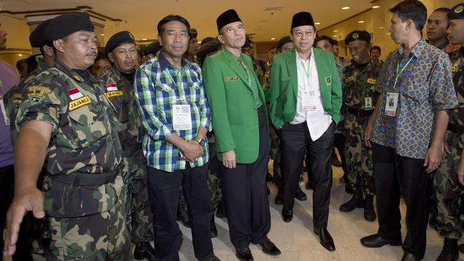 Ketua Umum Partai Persatuan Pembangunan (PPP) versi Munas Jakarta, Djan Faridz, akan bertemu Lulung membicarakan bergulirnya hak angket DPRD.