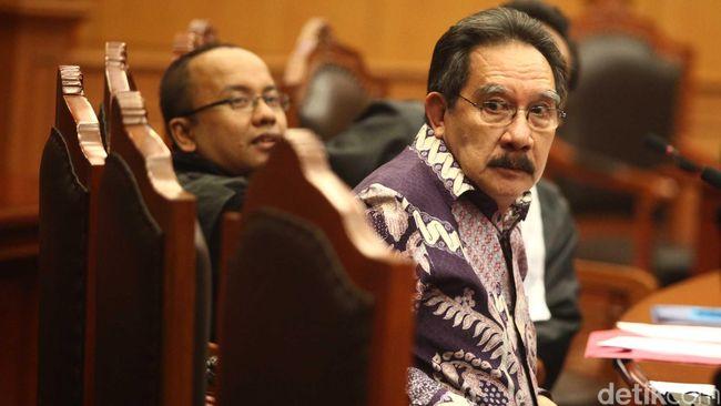 Pertemuan tak terduga dengan Nasrudin Zulkarnaen di depan kamar 808, Hotel Grand Mahakam, Jakarta, menjadi 'bumbu' dalam jerat pidana atas Antasari.