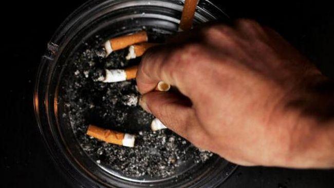 Sekolah mengumumkan akan menambah lima hari libur tambahan dalam jadwal libur tahunan mereka jika staf sekolah tidak merokok.