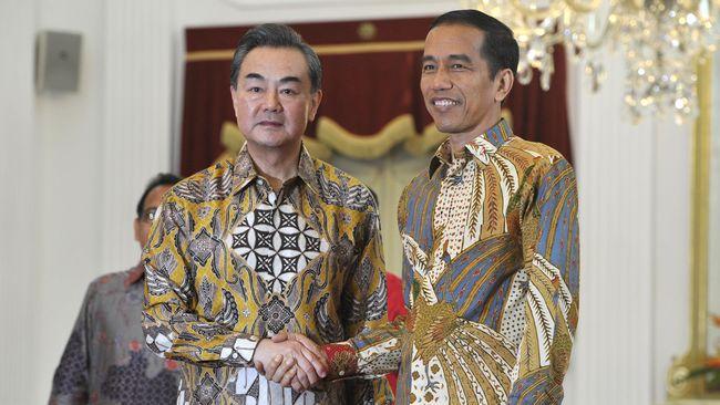 China menyatakan siap mempererat hubungan dan berbagi pengalaman pencegahan dan pengendalian epidemi dengan Indonesia.