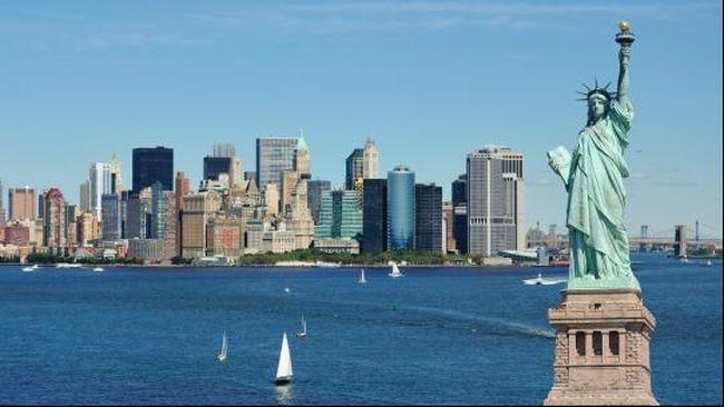 Kamar Mandi Tergeletak di Seruas Jalan New York