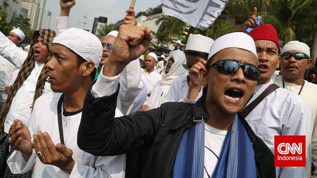 Persekusi bukan perkara baru di Indonesia. Jauh sebelum kasus yang dialami dokter asal Solok, persekusi telah muncul lewat beragam bentuk.
