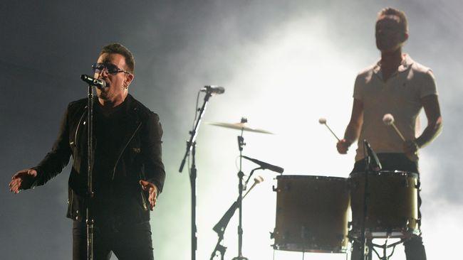 Bono, vokalis grup musik U2, amat menginginkan jari-jarinya kembali 'hidup' pasca kecelakaan sepeda yang terjadi padanya. Ia sudah berkali-kali operasi.