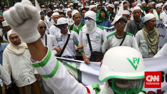 Keputusan bersama sejumlah pimpinan lembaga negara memutuskan FPI sebagai organisasi terlarang dengan mempertimbangkan enam alasan.
