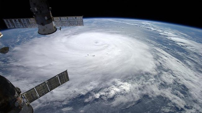Object 2014-28E diduga sebagai satelit Rusia yang mampu membunuh satelit lain. Apakah Rusia menghidupkan lagi misi pembunuhan satelit dari era Perang Dingin?