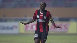Boaz Solossa dan Riko Simanjuntak Masuk Tim Terbaik Piala AFC