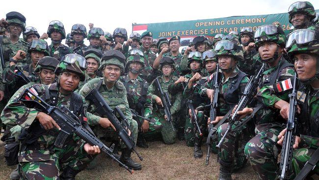 Panglima TNI dan Singapura melakukan teleconference membahas latihan dan kerja sama militer, sementara Menhan Prabowo ke Turki menjajaki kerja sama pertahanan.