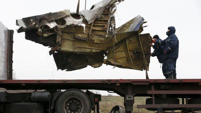 Hasil investigasi menguak fakta bahwa pesawat MH17 ditembak rudal Buk buatan Rusia, tapi tak diketahui siapa pelakunya.