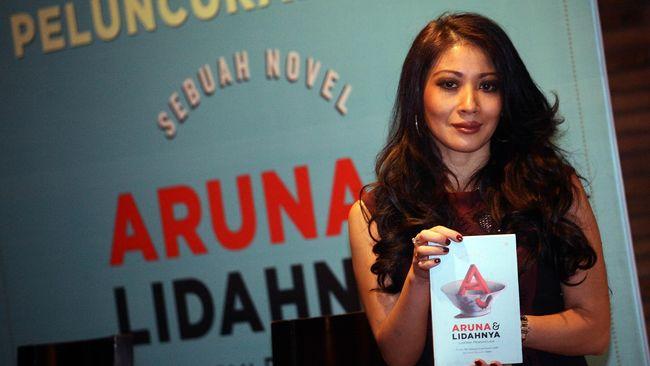 Sedianya bakal dirilis Juli 2014, namun kenyataannya novel terbaru Laksmi Pamuntjak, Aruna dan Lidahnya, baru dirilis kemarin (13/11).