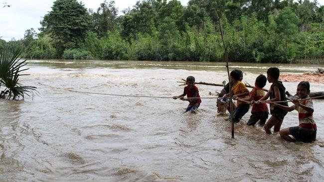 Banjir Di Aceh Utara Lumpuhkan Jalan Lintas Nasional